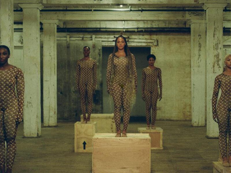 ALREADY de Beyoncé   Una editorial de moda en un video